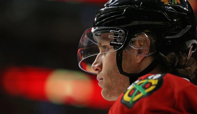 Blackhawks Stop Slide With 7-2 Victory Over Maple Leaf